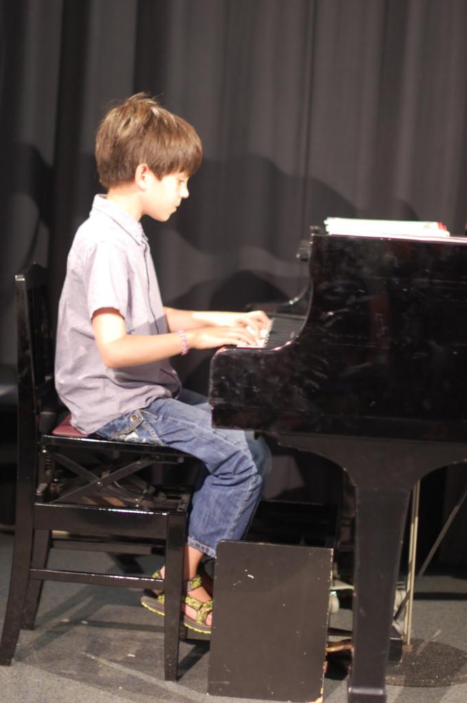 Alán tijdens concert