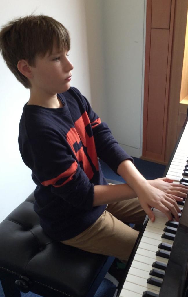 Daniel practising Gigue