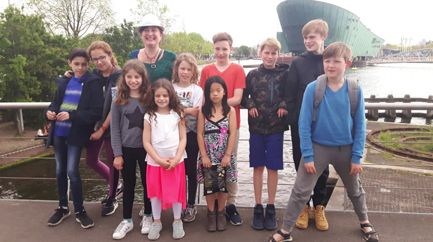 From left to right: Alán, Nora, Sophia, Heleen, Leonora, Ida, Alyssa, Daniel, Jakob, Jurriaan, Vincent (alas Bintang is missing here!)