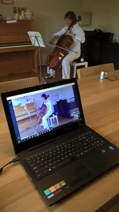 Rineke practises by Skype